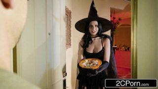 Unfaithful Wife Ariana Marie Fucks Behind Husband's Back on Halloween